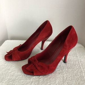BCBGENERATION LEATHER UPPER RED SUEDE PUMPS SZ 8B